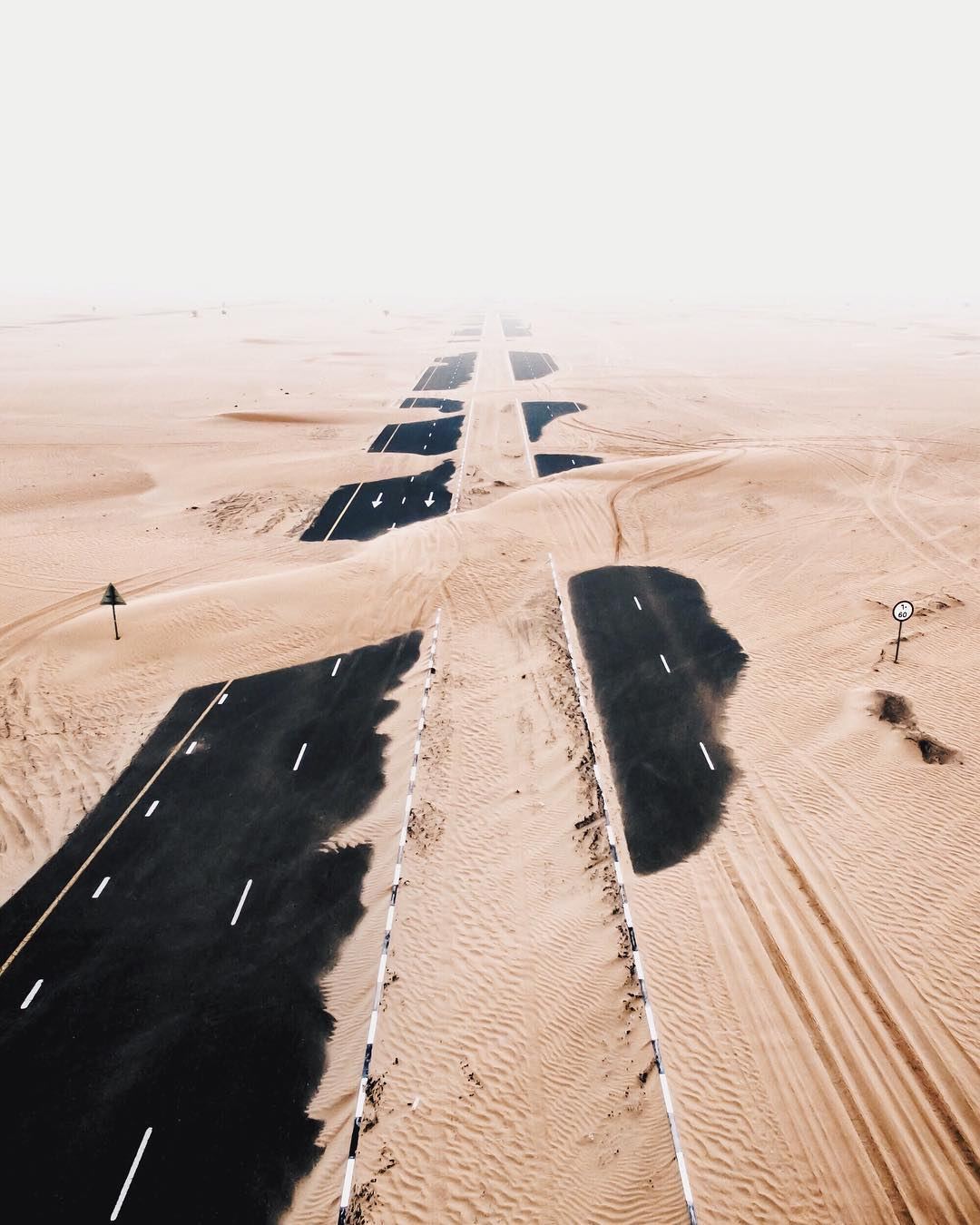 Stunning Desert Photos Taken Over Dubai And Abu Dhabi