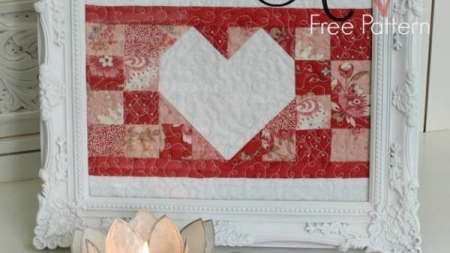 Amore- Free Valentine's Day Pattern