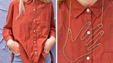 diy wire hand necklace