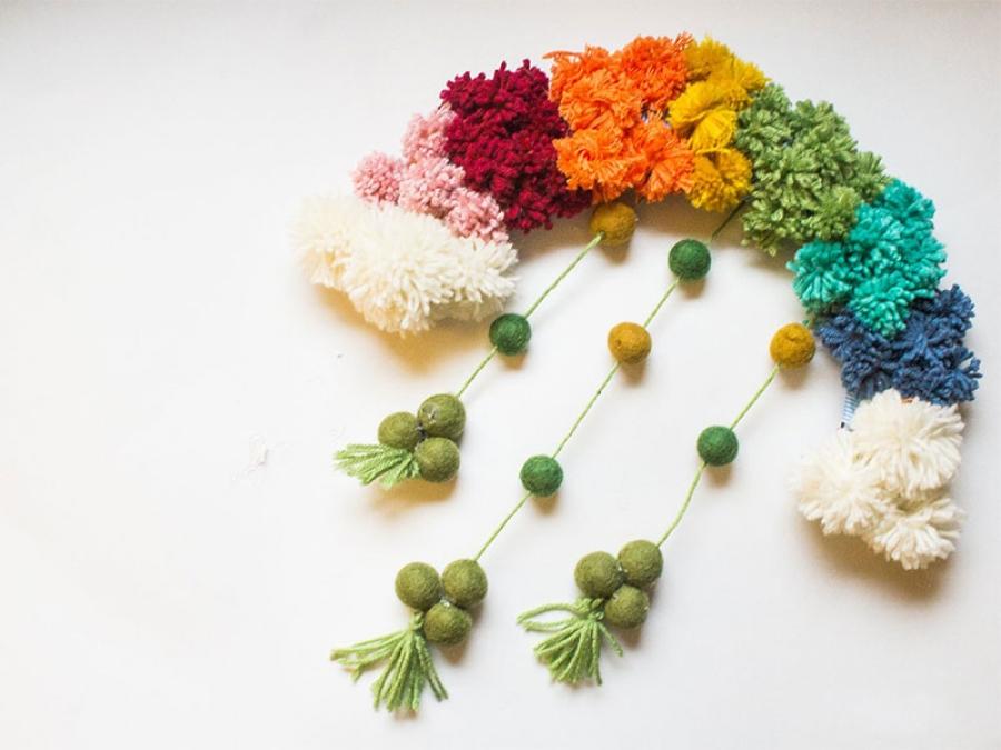 diy rainbow pom pom wreath