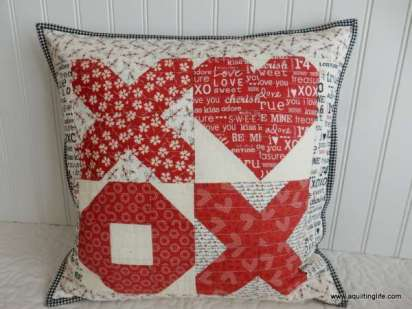 Hugs and Kisses Valentine's Day Pillow Tutorial