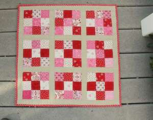 Easy Nine Patch Mini Quilt – Free Pattern