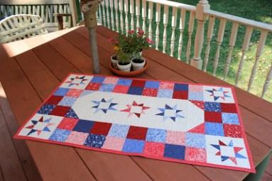Freeform Stars Patriotic Table Runner Pattern