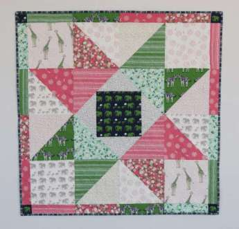 Scrappy Star Baby Quilt – Free Pattern
